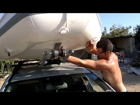 Gommone sul tetto auto..