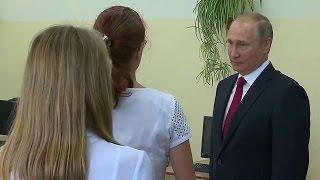 Во Владивостоке В.Путин посетил гимназию ирассказал рабочим оперспективах судостроительного завода