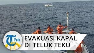 Basarnas Palu Evakuasi Kapal Bermuatan Mesin Bor Alami Patah Kemudi