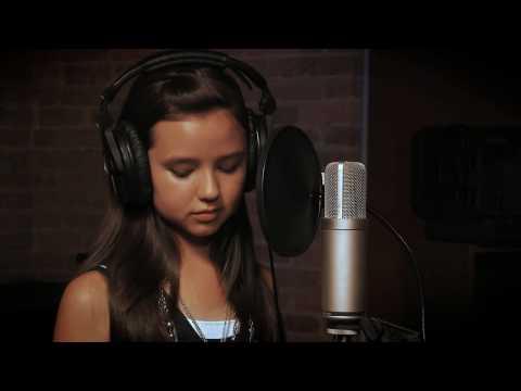 Thưởng thức giọng ca đầy mê hoặc của cô bé 12 tuổi