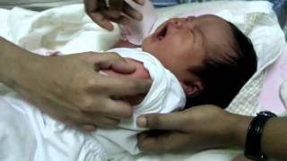 preview picture of video 'Zoe Faith Barao first injection'