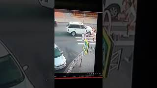 Внедорожник сбил ребенка на пешеходном переходе в Майкопе