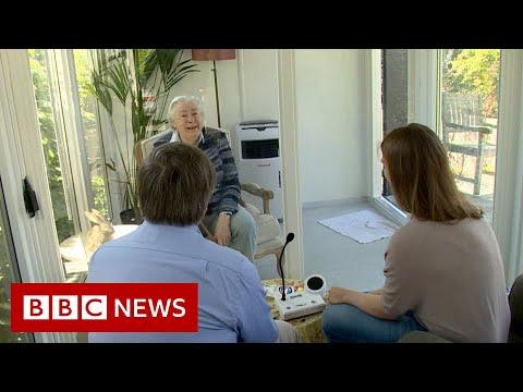 Coronavirus: Dutch care home reunites families in a glass pod – BBC News