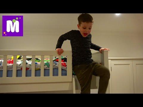Комната Максима наконец укомплектована / Новая Мебель в игровой / РУМ ТУР с ванной Мистер Макса онлайн видео