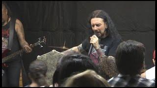 A ritmo de Heavy Metal, la iglesia Crash Church habla de la plabra de Dios