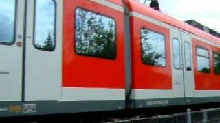 preview picture of video 'S5 Richtung Unterhaching - rote S-Bahn'