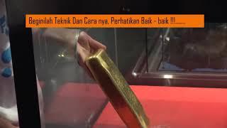 Un Asiático Logra Sacar Lingote De 12.5 Kg De Oro