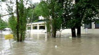 preview picture of video 'Hochwasser Juni 2009 Uferhaus Orth an der Donau'