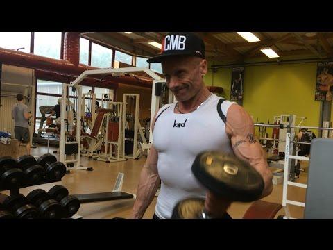 Gonfler les muscles dans les conditions domestiques en 8 minutes