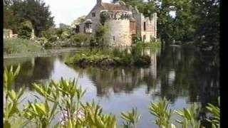 preview picture of video 'Scotney Castle Garden June 1992'