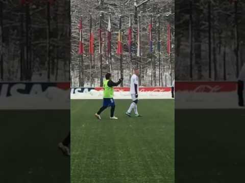 Marlone disputa pelada na Suiça com Maradona