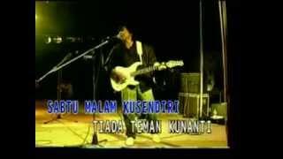 Download lagu Koes Plus Kisah Sedih Dihari Minggu Mp3