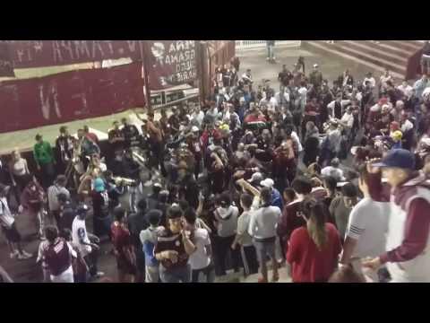 """""""Entrada de la Barra 14 LANUS vs gimnasia"""" Barra: La Barra 14 • Club: Lanús"""