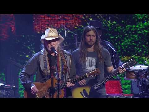 Willie Nelson & Family - Good Hearted Woman (Live at Farm Aid 2018)