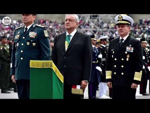 Desfile militar en México para celebrar los 209 años de su independencia