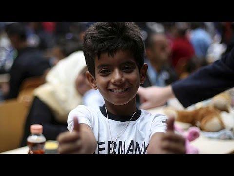Η Γερμανία ανοίγει την αγκαλιά της για τους πρόσφυγες