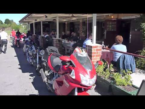 Ducati Owners Club Vic (DOCV) Lazy Autumn Sunday Lyonville Pub