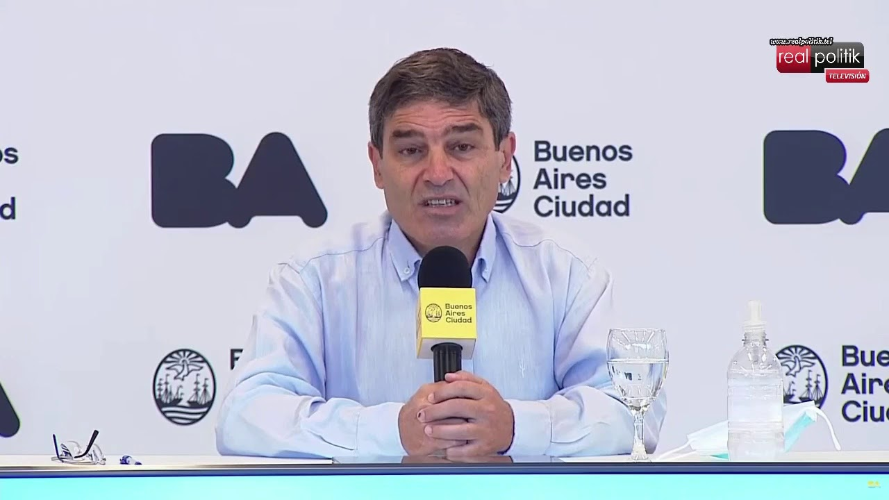 """Fernán Quirós: """"Las medidas de cierre ayudan mucho a controlar las nuevas variantes"""""""