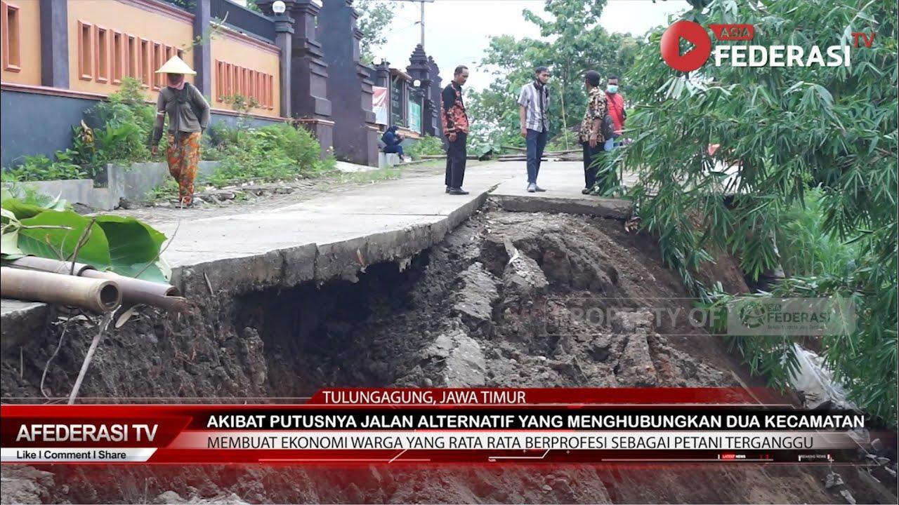 Akibat Diguyur Hujan Deras Jalan Alternatif Penghubung Dua Kecamatan Longsor