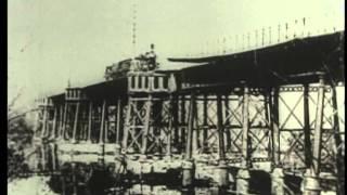 взрывают железнодорожный мост