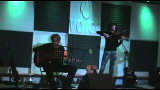 preview picture of video 'NeroFuoco - Riflessioni Notturne (Alberto Amboni & Denise Secci) Voice Club Corsico - 18/10/13'