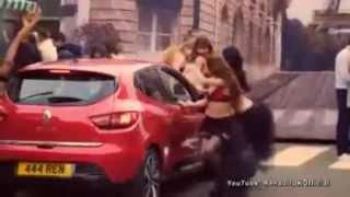Yasaklanan Seksi  Renault Clio  reklamı