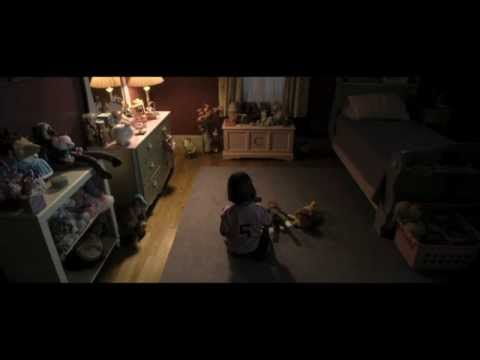 Deliver Us from Evil (1st Clip 'The Door Wouldn't Open')