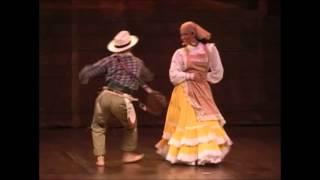 Cumbia Colombiana y 13 danzas más en Formato 2