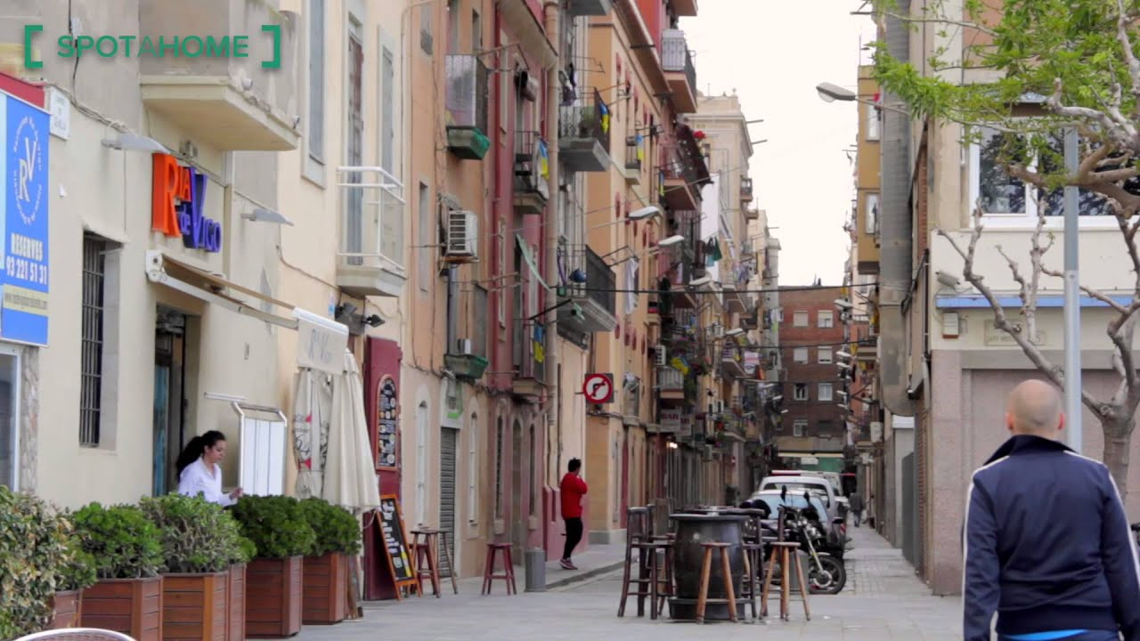 Charming 80 m2, 2-bedroom apartment with balcony for rent in seaside La Barceloneta