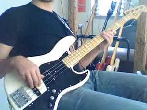 muted finger funk bass