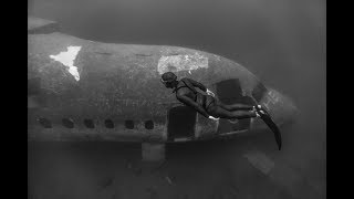freediving a plane wreck at 27 meters deep