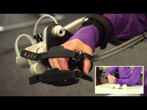Video of a patient training with the new ArmeoPower with ManovoPower
