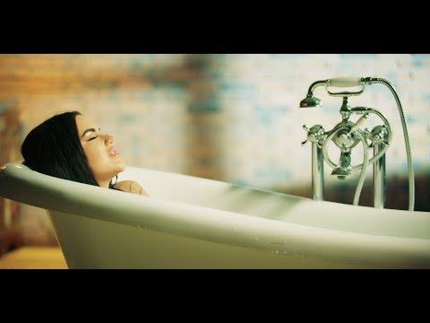 Carmen De La Salciua – Nu mai vreau sa plang de lunea Video