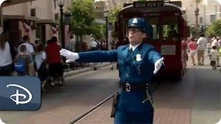 Meet Officer Calvin Blue | Disney California Adventure Park