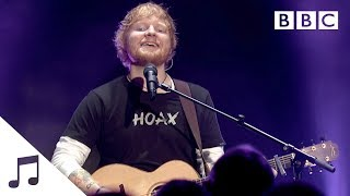 Gambar cover Ed Sheeran performs 'Castle On The Hill' - BBC