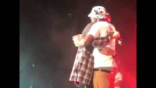August Alsina and Travis nobody knows . Brotherly love ❤️ #TestimonyTour