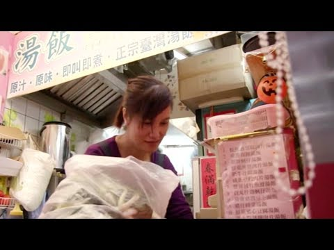 Impact of political divide on HK restaurant industry