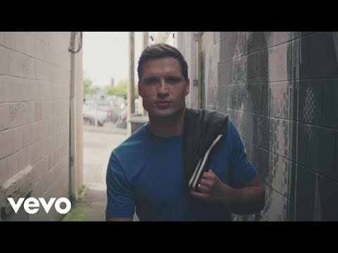 Walker Hayes – You Broke Up with Me