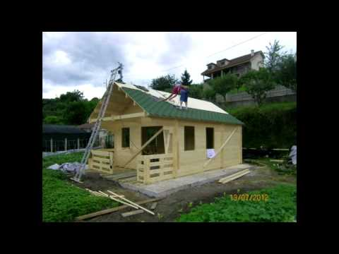Montaje Casas de Madera Stock