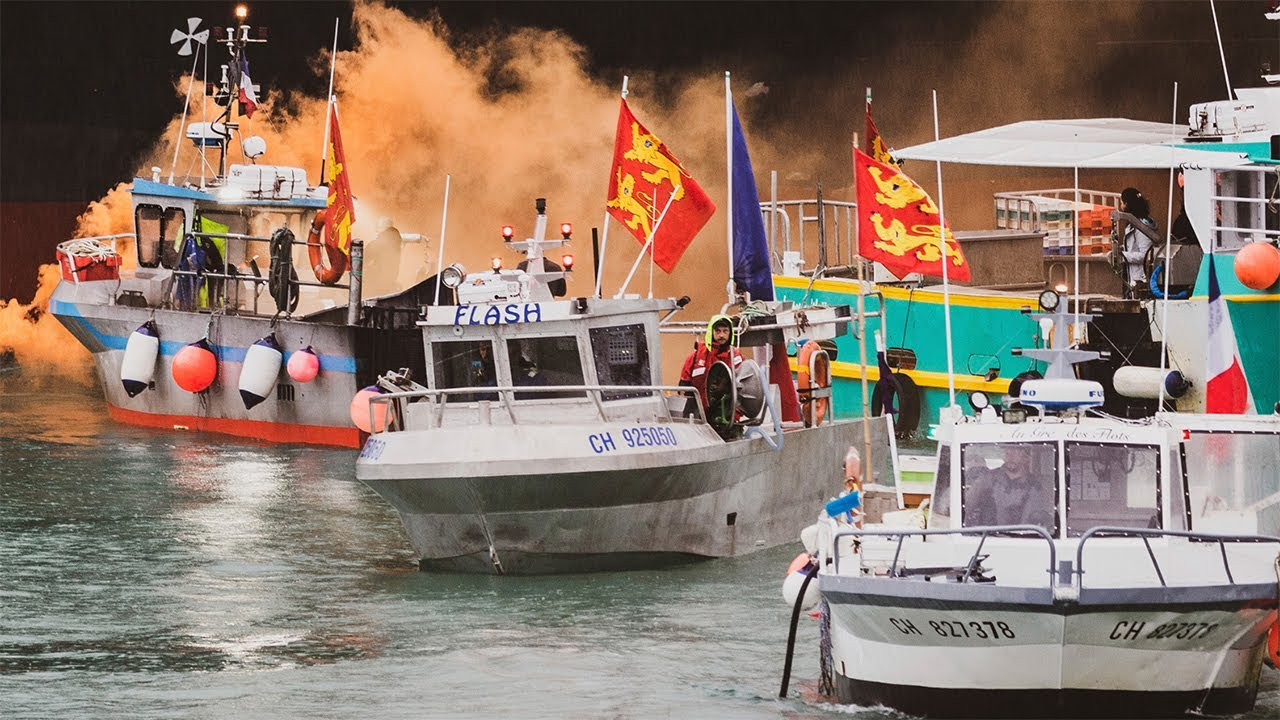 Image of 'We will goback, and next time it will be war': Warning of French fishermen as they sail away from Jersey standoff