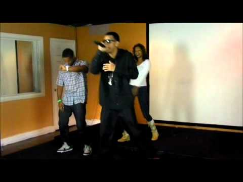 Yung E Da Boi-I Jus Wanna Ball Performance 12.8.11