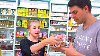 УДИВИЛА ПАПУ Самые необычные сладости   ГИГАНТСКИЙ ЖЕВАТЕЛЬНЫЙ МЕДВЕДЬ, суп из конфет, конфетные с
