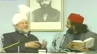 Obaidullah AleemSahib With Hazrat Mirza Tahir Ahmad {Urdu Language}