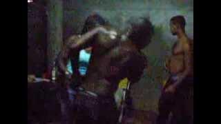 preview picture of video 'Jaun Alberto che balla in casa (Jaguey Grande, Matanzas, Cuba)'
