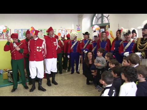 Preview video Storico Carnevale d´ Ivrea - Visita dei personaggi nelle scuole
