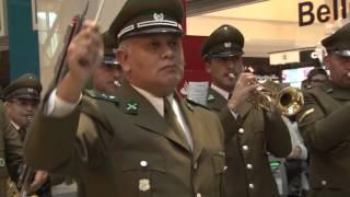 Mira el divertido flashmob que realizó Carabineros en el mall Marina Arauco