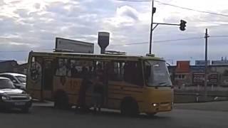 ZaRulem.ws: Избиение водителя автобуса участниками ДТП
