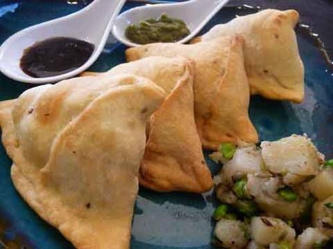 Samosa – Indian Appetizer Recipe