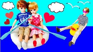 ここなっちゃん♪ リカちゃん はるとくんとデート♪ アイス屋さんに海でボート♪ おうちから車で出発! パパもバイクで出発?! おもちゃ お店屋さんごっこ ボーイフレンド 人形 アニメ 人気 - YouTube