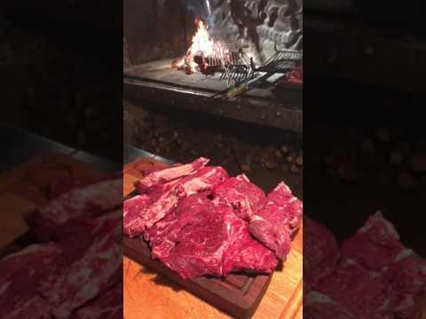 côte de boeuf  Aubrac grillée au feu de bois,